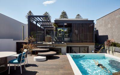 A Home's Moving Façade Facilitates Intimacy and Awareness